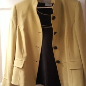 Plus size 16 Gold Blazer